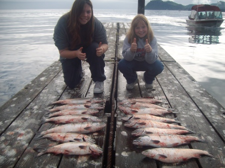 BRITTANY AND BRIANNA NELSON WITH A FINE MESS OF SEKIU PINKS. (LAZER SHARP PHOTO CONTEST)